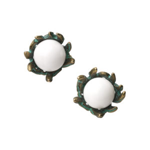 Cuckoo Nest Earrings [White]
